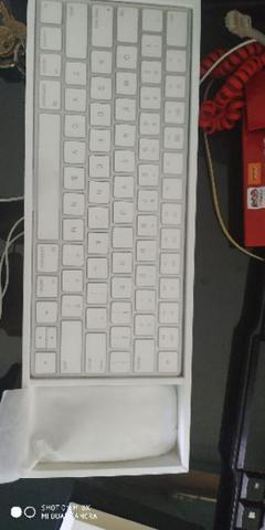 Apple keyboard original Generasi 2