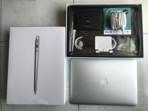 Macbook Air 2017 13,3 inch i5 RAM 8GB ex. IBOX Mint Condition
