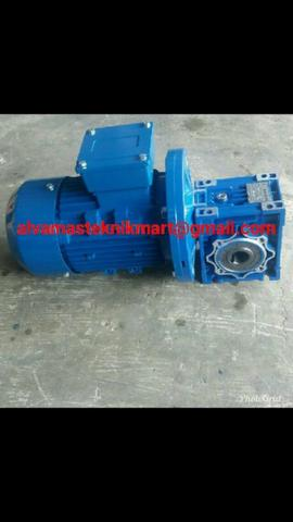 Gear motor nmrv 030 Ratio 1/7,5-1/50 1/4hp output as 14mm 3phase 380V 50Hz IP55
