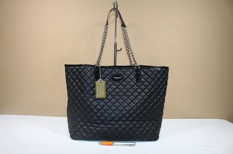 Jual Tas wanita branded COACH C398 Quilted chain tote second ... c8fe84aea7