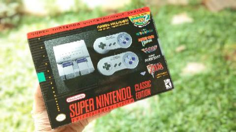 SUPER NINTENDO Mini..