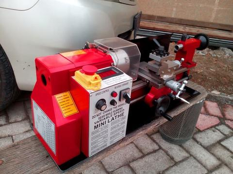 Mini Lathe Mesin Bubut C2-300 with Spindle RPM Readout
