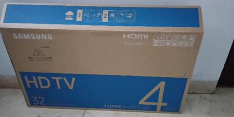 "(2nd) Samsung LED TV 32"" 32 inch UA32N4300AK - BNOB"