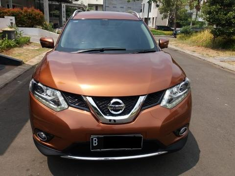 Nissan x trail 2.5 AT 2015 ORANYE MET