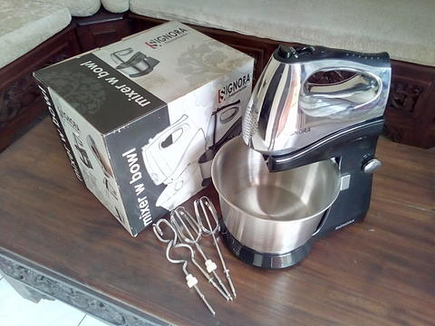 Mixer with Bowl & Stand SIGNORA SG-219MS