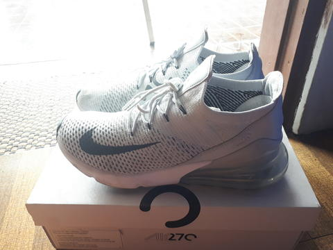 best sneakers 5d52c eb08a Nike Air Max 270 Flyknit
