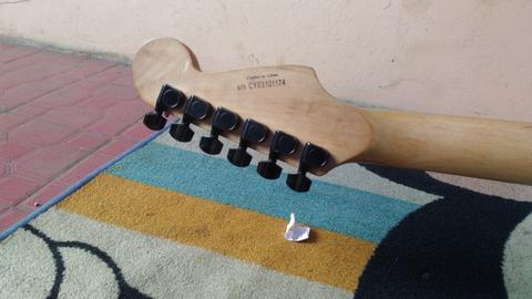 Guitar Electric Squier Showmaster
