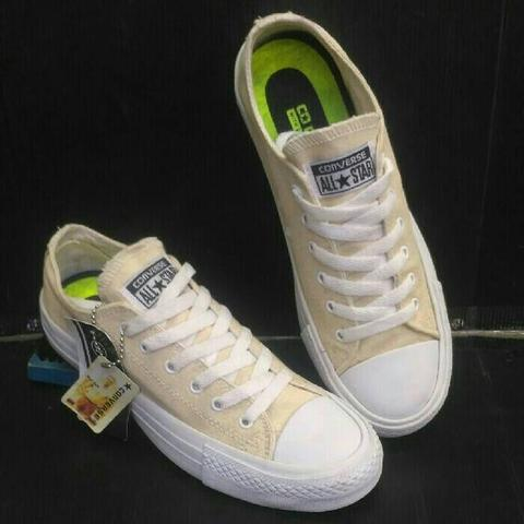 72978c75668f Jual Converse Chuck Taylor Low Cream White
