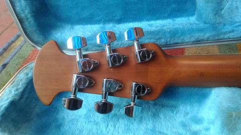 Guitar Accoustich/Electric OVATION Bowl Made by Ovation USA