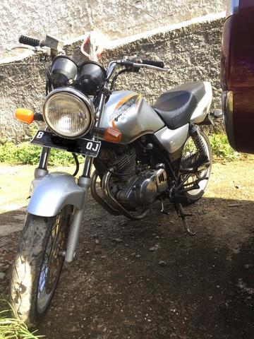 suzuki thunder 250cc gs th 2000