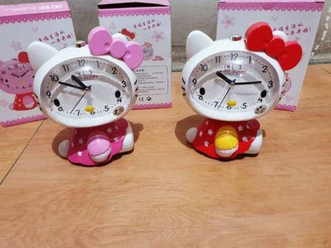 Jam Weker Hello Kitty Full Body Kado Ultah