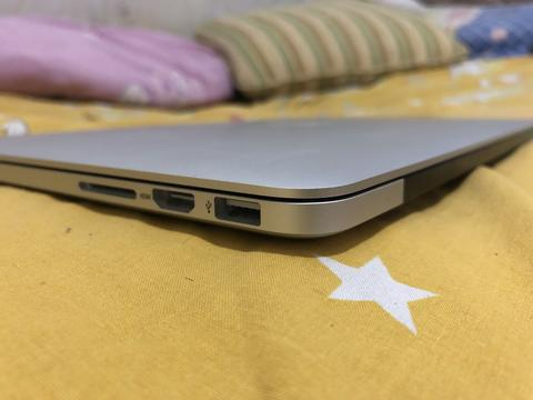 MACBOOK PRO Retina Display 2014 i5/8 GB