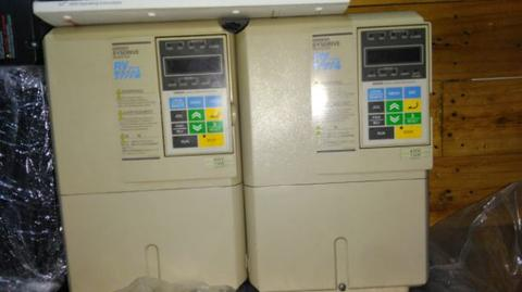 inverter omron 11 kw 3ph 380 volt second mulus.