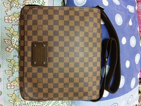 Louis Vuitton LV Brooklyn MM original not gucci hermes bottega bally salvatore
