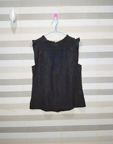 [BUY 1 GET 1 FREE] Lucky Leaves Black Blouse