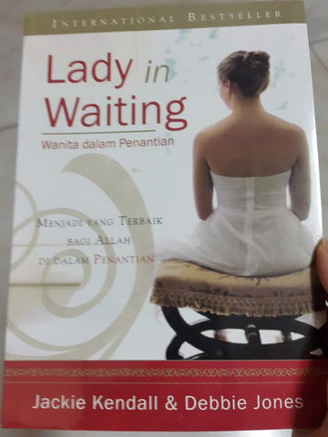 Buku Kristen: Don't Give Up, Courage and Calling, Lady In Waiting dll
