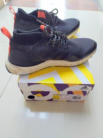 Sepatu Adidas Men Running Original Ultraboost Mid Shoes Size 43 1/3 - Black