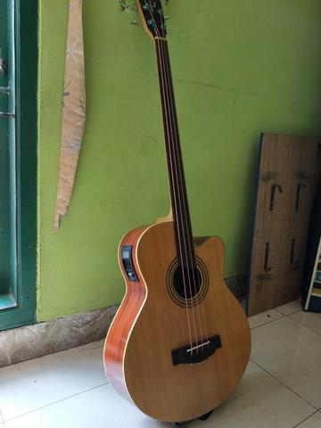 Bass Akustik Custom Fretless Mint Condition