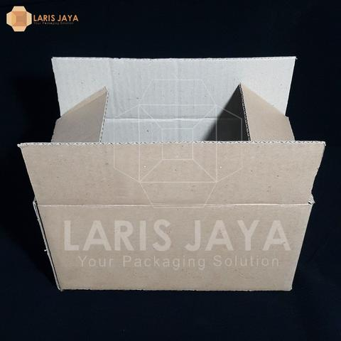 Kardus / Box Packing Polos 23,5 X 13,5 X 12 cm (Isi 25 pcs)