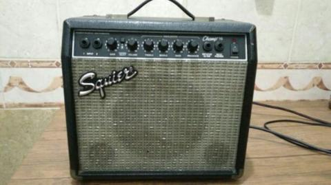 Amplifier gitar squier champ 15