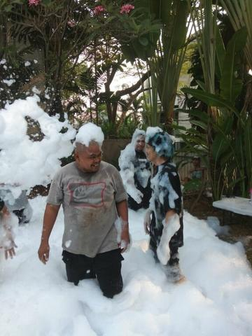 jual dan sewa mesin foam party