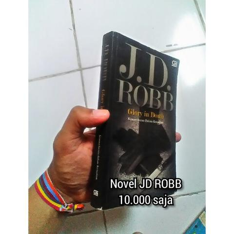 novel jd robb