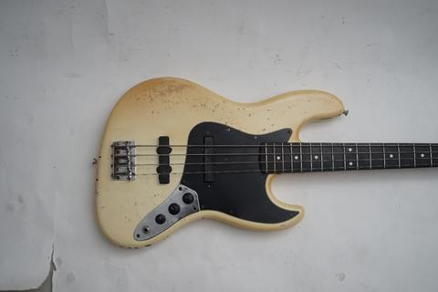 Squire Jazz Bass Made in Japan