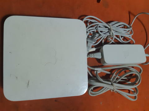 Apple Airport Extreme 2nd Generation A1143