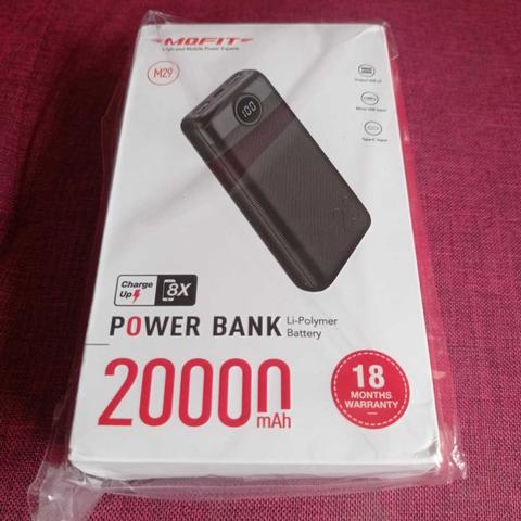 20000mAh Fast Charging 12W Powerbank/Power Bank MOFIT M29