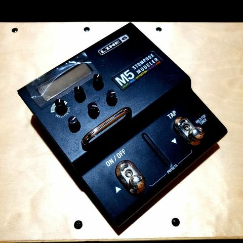 ***BILLY MUSIK*** Multi Efek Gitar Line 6 M5 Stompbox Modeler Over 100 Effects