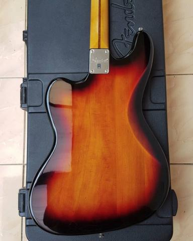 Squier Classic vibe VI bass by fender