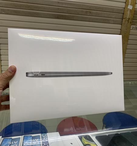 Macbook air m1 chip 13 inch 8GB 256GB resmi bisa cash dan kredit