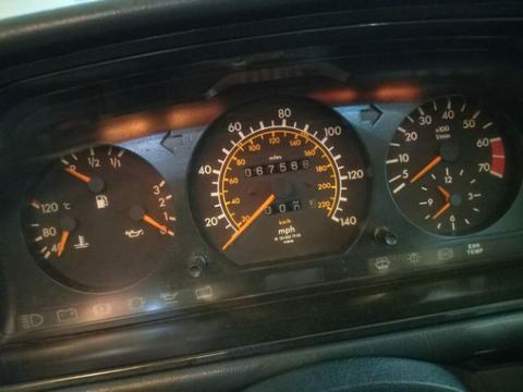 for Sale Nego th.1990 Mercedes Benz Mercy 230E Automatic.Build Up.Ori SUNROOF.Low KM