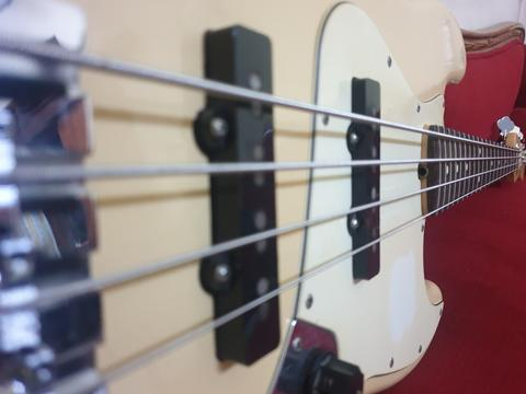 Dijual Fender JB Highway One USA