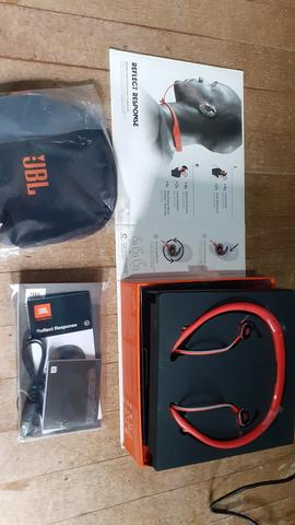 Headphone Bluetooth JBL Reflect Response