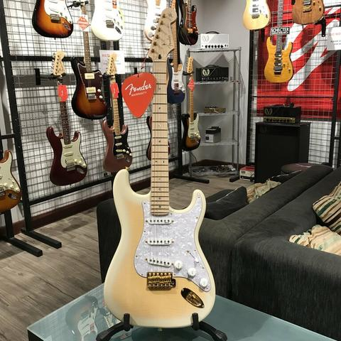 BRAND NEW FENDER RICHIE KOTZEN STRATOCASTER MADE IN JAPAN