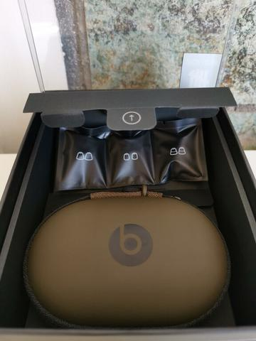 UNDEFEATED x DRE HEADPHONE JAPAN LIMITED