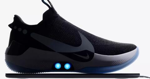 di-masa-depan-mengikat-tali-sepatu-secara-otomatis-adalah-hal-yang-biasa