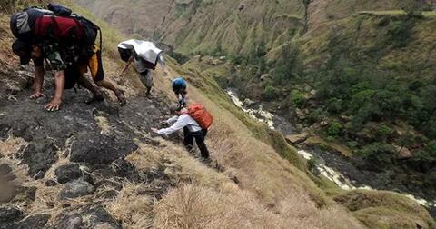 gunung-di-indonesia-dengan-jalur-tersulit
