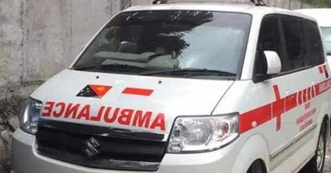 kok-tulisan-ambulance-pada-bagian-depan-ambulans-terbalik-ini-alasannya
