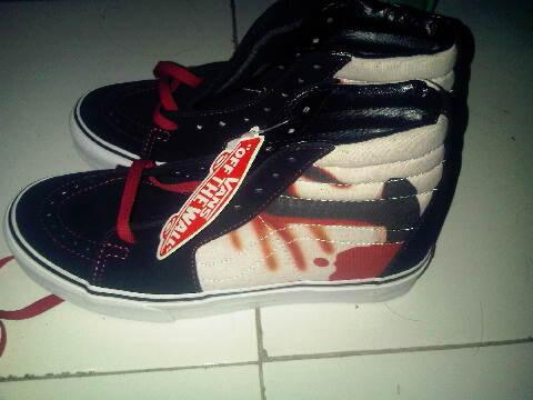 Terjual Vans Sk8 Hi Metallica Kill Em All 2013