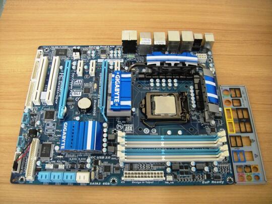 Intel core i7 2.80GHZ CPU Gigabyte GA-P55A-UD4P LGA1156 Motherboard