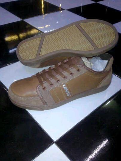 Terjual sepatu LEVIS casual  dd032bb03a