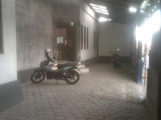 Ruang Usaha + Rumah di Jalan Kabupaten