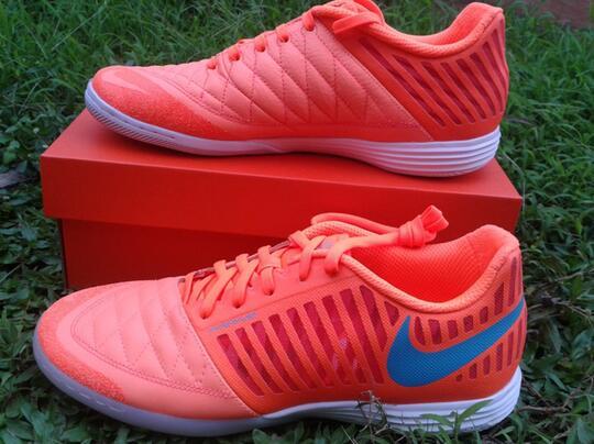 on sale fb762 6eedd ... shoes sepatu futsal nike lunar gato II atomic orange original ...