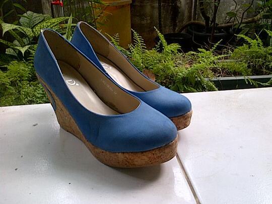 Terjual sepatu wanita wedges fladeo  f01f74a5fd