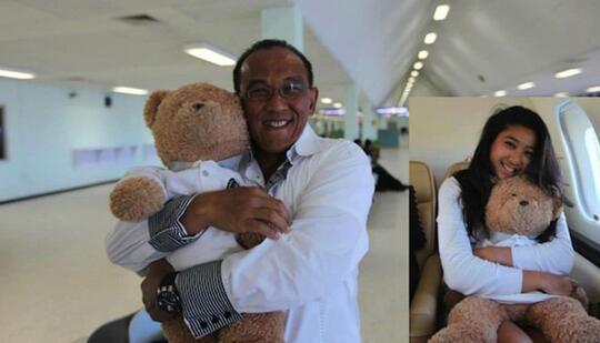 Klarifikasi Video Pelesiran, Ical Peluk Teddy Bear dan Cium Kening Istri