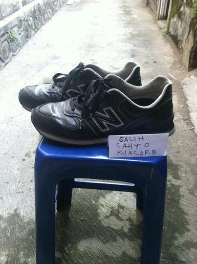 new high quality best service on feet images of Terjual WTS : New Balance 364 Black Leather ( Original )