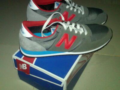 Terjual Sepatu New Balance  ffee4b355c