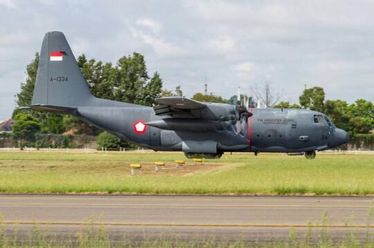 (Breaking News) Pesawat C-130 kecelakaan ????